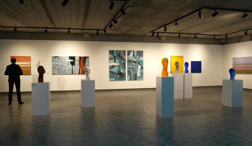 Выставка а галерее Мaslo